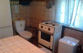 В Киеве сдают квартиру с туалетом на кухне за 4 тысячи гривен. Фото olx