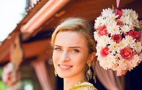 """Участники шоу """"Мамахохотала"""" поженились в Таиланде. Фото viva.ua"""