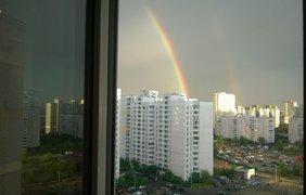 Радуга была видна практически во всех районах столицы. Facebook/anton.vityaz