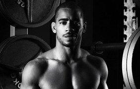 Спортсмены оголились для французского фотографа
