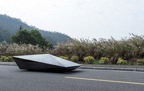 Дизайн автомобиля Lo Res представляет собой абстрактную структуру