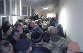 Блокада Ужгородского апелляционного суда. Фото: Facebook / Тарас Деяк