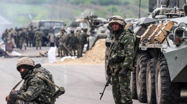 Налинии фронта впроцессе обстрелов ранены четверо украинских военных