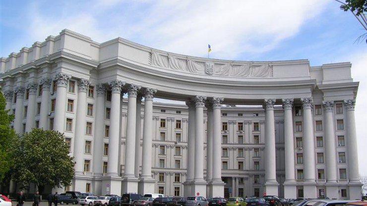 ВМИД считают, что введение виз сРоссией обернется трудностями для украинцев