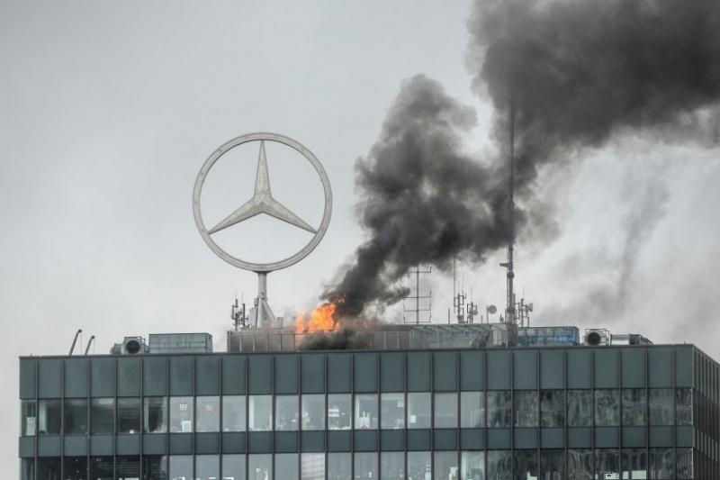 ВБерлине загорелась известная высотка комплекса «Европа-Центр»
