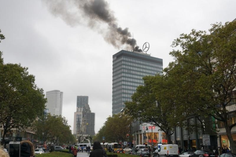 Встолице Германии полыхает символ Западного Берлина