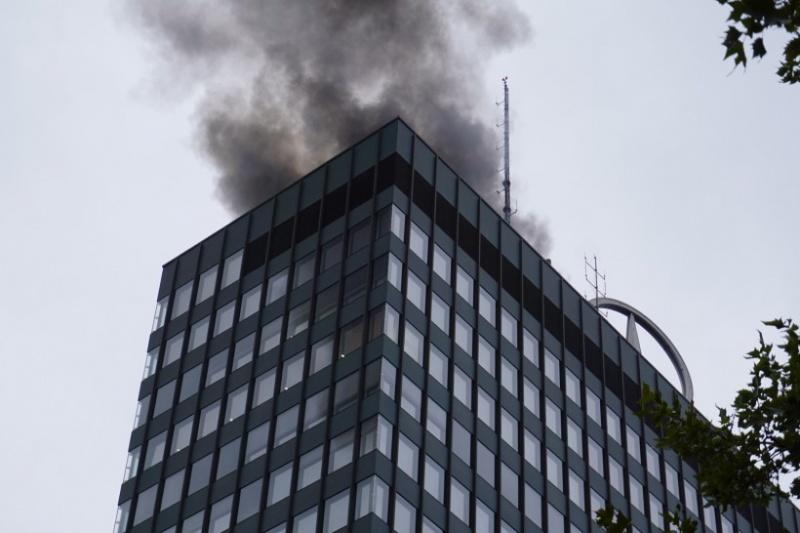 ВБерлине произошел пожар вофисе Mercedes Benz