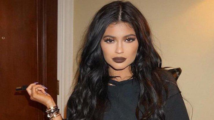 19-летняя сестра Ким Кардашьян обнажилась для глянца