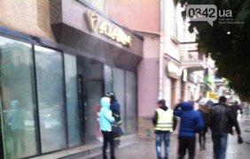 В центре Ивано-Франковска горит ювелирный магазин