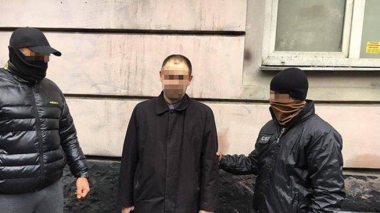 ВоЛьвовской области при получении взятки задержали обвинителя