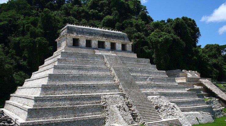 Две гробницы эпохи Змеиных царей майя найдены вГватемале