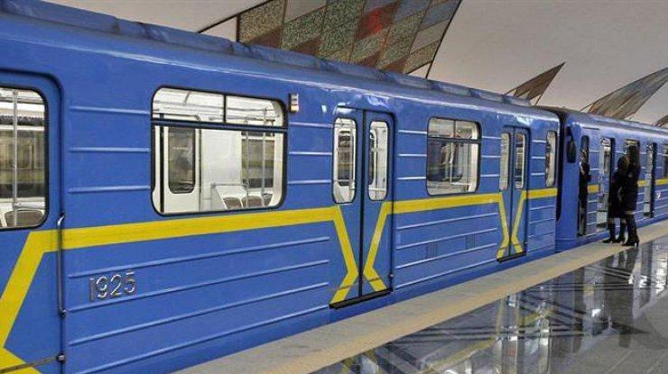 Киевское метро продлит работу 20октября