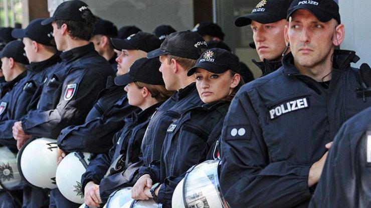 ВДрездене перед общенациональным праздником сожгли три полицейские машины
