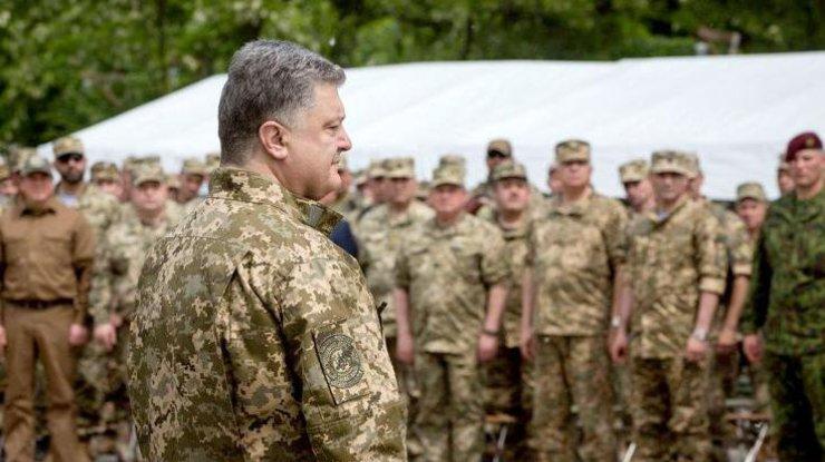Порошенко предложил две альтернативы минским соглашениям