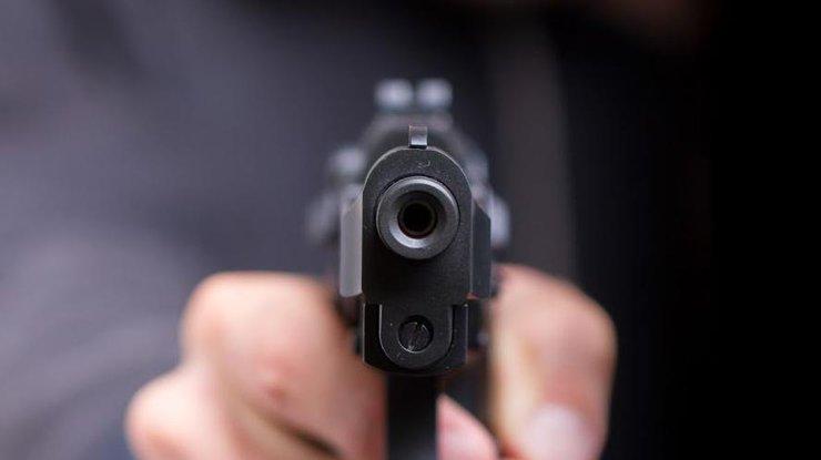 ВХарькове мужчина устроил стрельбу наулице