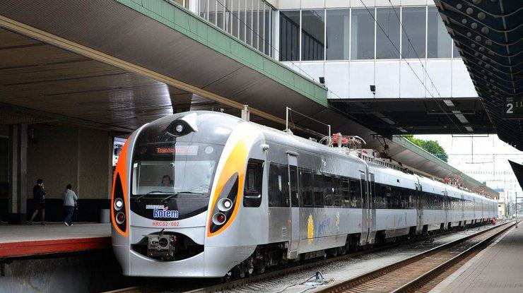 «Укрзализныця» запустит двухэтажный поезд «Интерсити» с4ноября