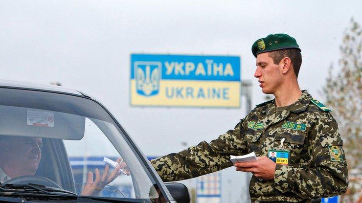 Награнице Украины сПольшей вочередях стоят 1170 авто