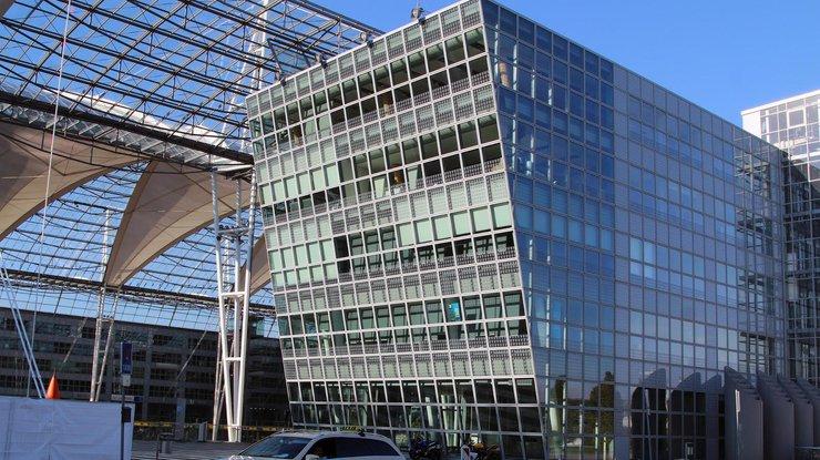 Бортпроводники Eurowings проведут забастовку 27октября