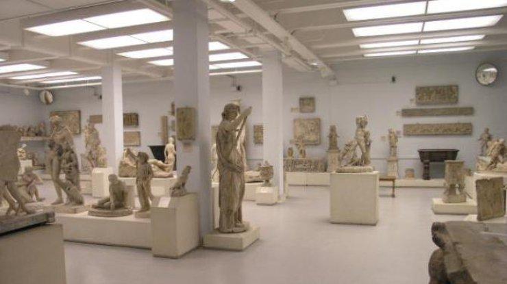 Официант отбил палец устатуи Венеры вБританском музее