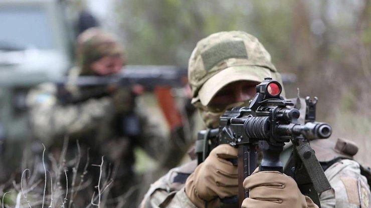 Боевики обстреляли школу вМарьинке— повреждено остекление