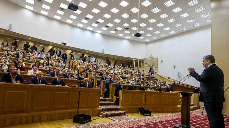 Порошенко: Украина освободилась от«газовой иглы» РФ