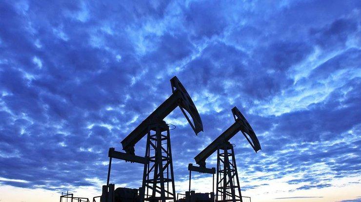 Нефть Brent торгуется выше $52 за баррель