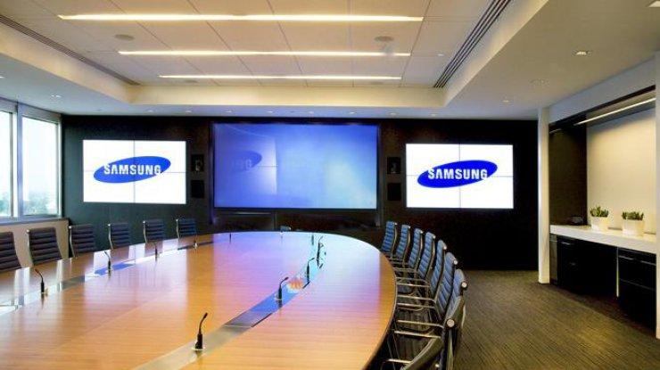 Складной смартфон Самсунг Galaxy Xзасветился впатенте