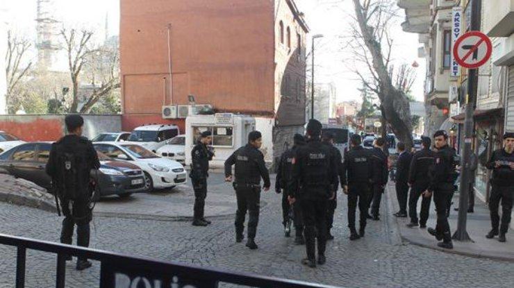 Вмэрию турецкого города выстрелили изгранатомета