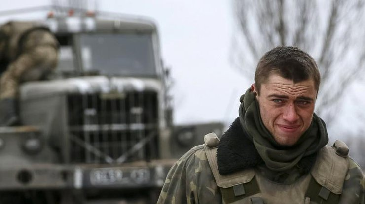 ВЛуганской области в итоге обстрелов боевиков умер украинский военный