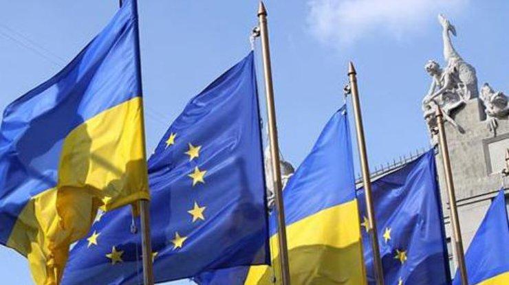 Туск рассчитывает, чтоЕС совсем скоро согласует безвизовый режим с Украинским государством