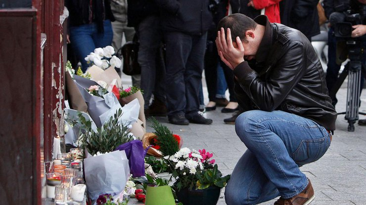 Телефон организатора парижских терактов отыскали вБрюсселе