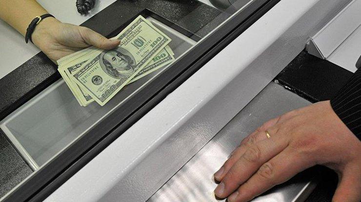 Порошенко: Выплаты обманутым вкладчикам начнутся через 20 дней