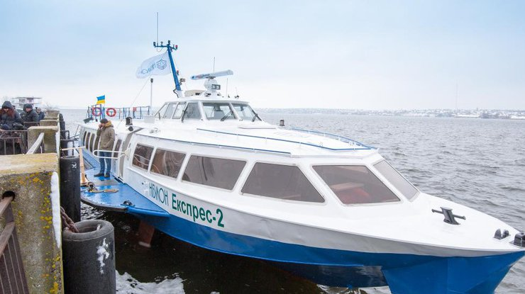 'Нибулон' возобновляет речные перевозки из Киева