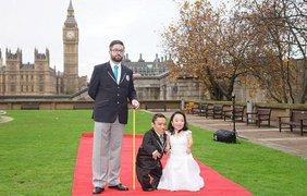 Пара поженилась в День мировых рекордов Гиннеса
