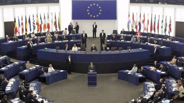 ВЕвропарламенте поддержали идею создания аналога НАТО вЕС
