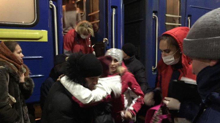 ВКиеве споезда сняли детей— Массовое отравление