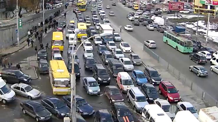 Завтра закроют движение наОдесской площади вКиеве