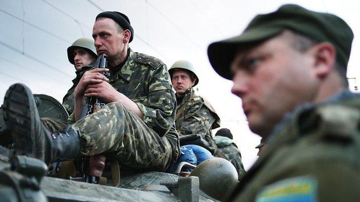 НаДонбассе засутки ранены пятеро военных