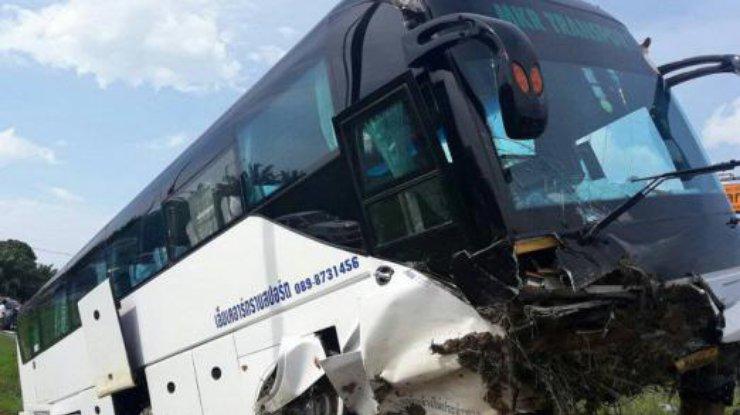 Трое граждан России пострадали вДТП савтобусом вТаиланде
