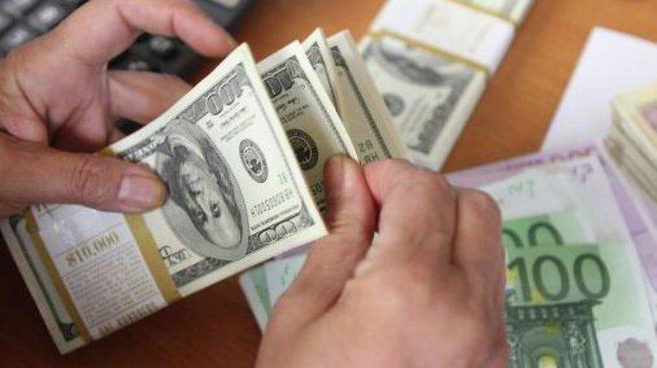 Вгосударстве Украина упали вцене доллар иевро: инфографика
