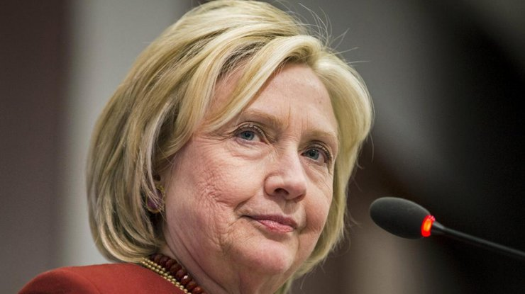 У служащих штаба Хиллари Клинтон похитили ноутбуки ссекретной информацией