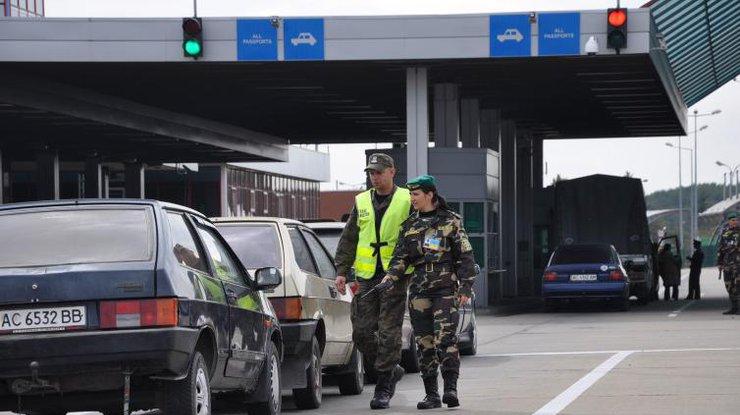 Афганец незаконно приплыл в государство Украину нанадувном круге