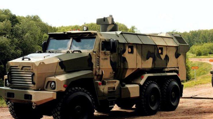 США передаст ВСУ бронированные автомобили медэвакуации— Муженко