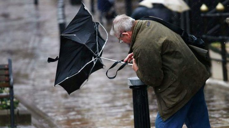 ГСЧС предупреждает осильных дождях ипорывах ветрах вДнепре 7