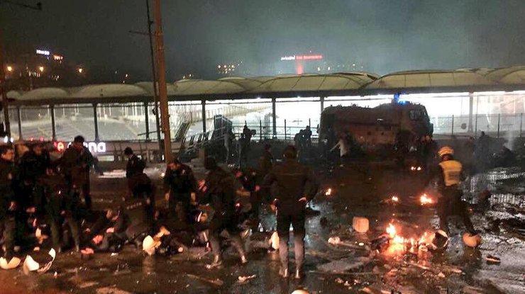70 человек ранены при взрывах около Vodafone Arena— Стамбул