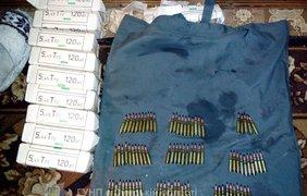 В Конотопе рассекретили огромный арсенал оружия (фото: npu.gov.ua)