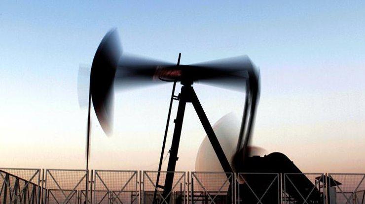 Цена нефти Brent опустилась ниже 54 долларов забаррель