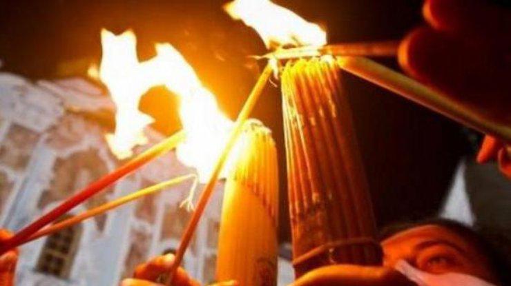 Пластуны передали Порошенко Вифлеемский огонь мира