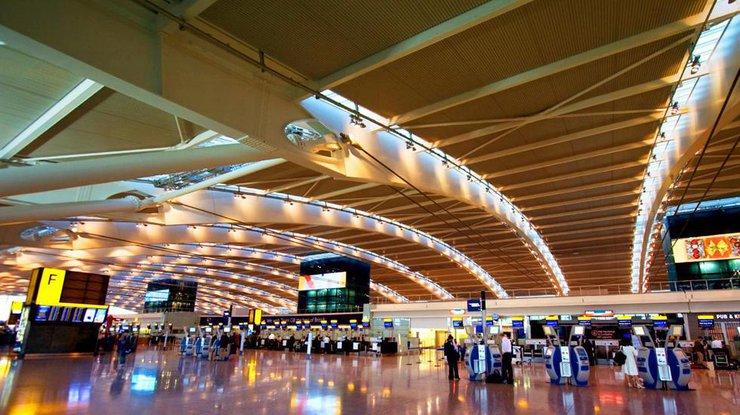 Работники английских аэропортов объявили забастовку наРождество