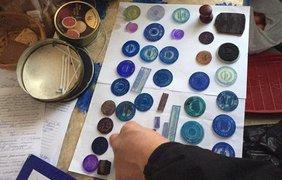 В Киеве умельцы штамповали поддельные загранпаспорта прямо на дому